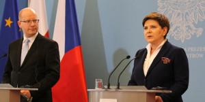 Bohuslav Sobotka i Beata Szydło na wspólnej konferencji prasowej w budynku Kancelarii Prezesa Rady Ministrów