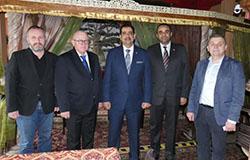 Ambasador Bahrajnu Ahmed Mohamed Al Muharraq oraz radca handlowy Abdulla Abdullatif Al Shaikh Abull wraz z przedstawicielami Warszawskiej Izby Gospodarczej