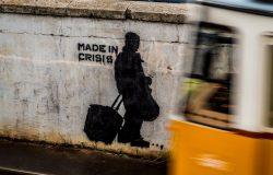 """Graffiti z napisem """"Made in crisis"""". Budapeszt, Węgry"""
