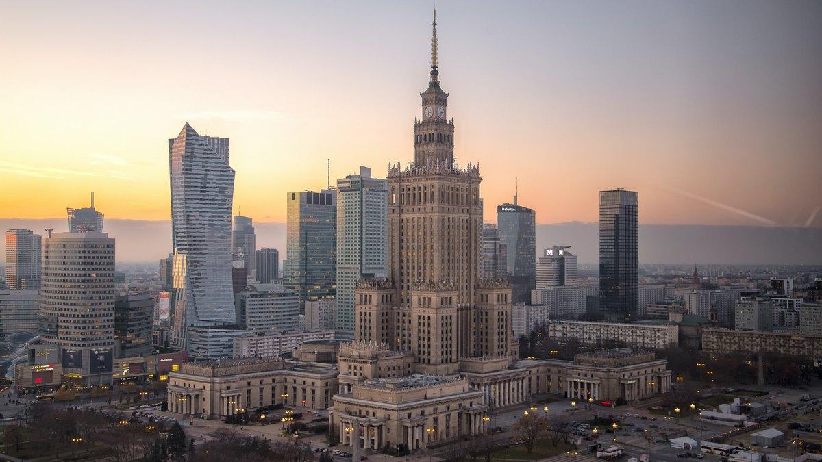 Jak Warszawa pomaga lokalnym firmom?
